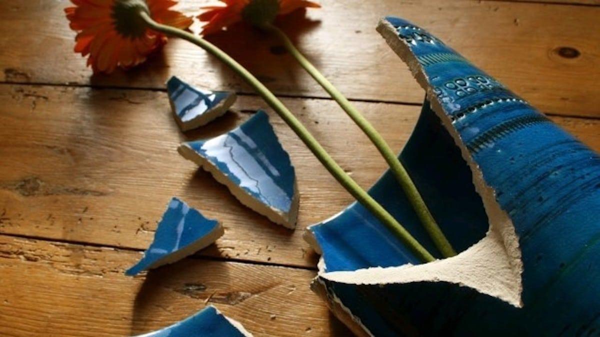 O significado energético das coisas quebradas em casa, de acordo com o Feng  Shui